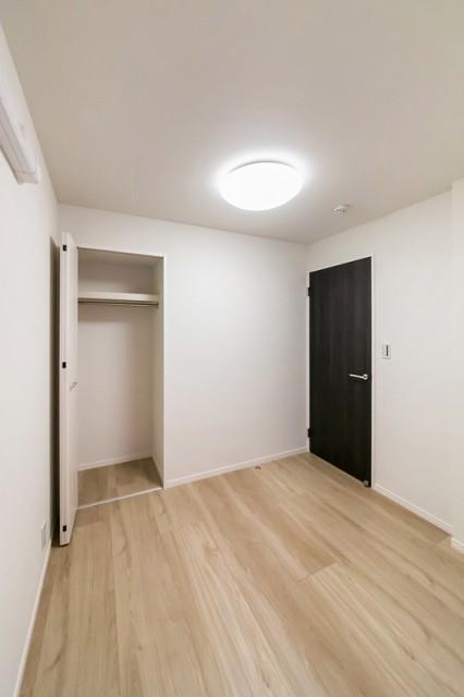 シャンボール小石川505 洋室