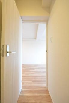 秀和高円寺レジデンス 11.0帖洋室ドア