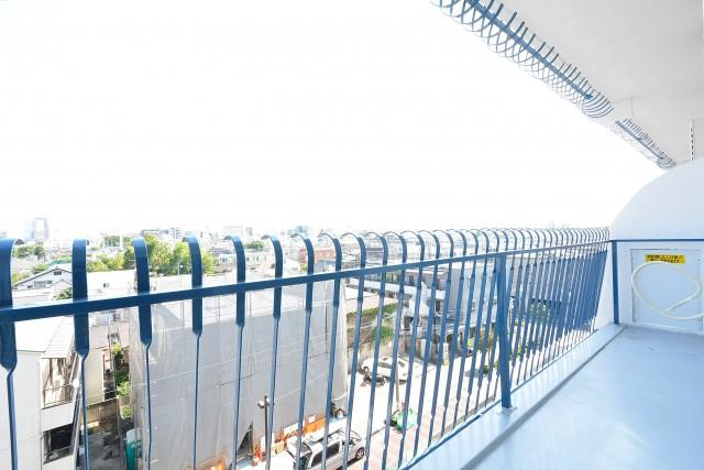 秀和高円寺レジデンス 洋室のバルコニー
