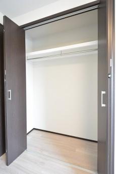 秀和高円寺レジデンス 6.5帖洋室クローゼット