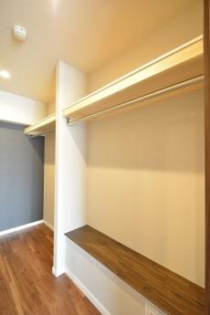赤坂台マンション 6.1帖洋室WIC