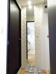 目黒グリーンコープ 廊下の鏡