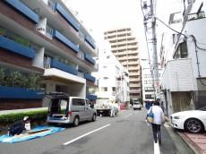 金王アジアマンション 前面道路