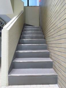 エクレール洗足 共用階段