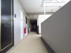 エンゼルハイム馬事公苑 共用廊下