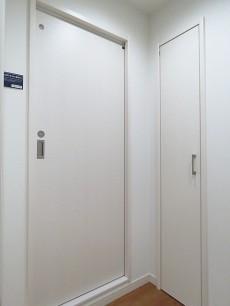 藤和島津山コープ 洗面室扉