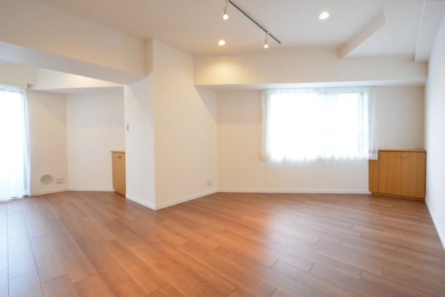 ユニーブル新宿西 洋室
