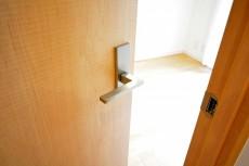 クレール荻窪 4.4帖洋室ドア