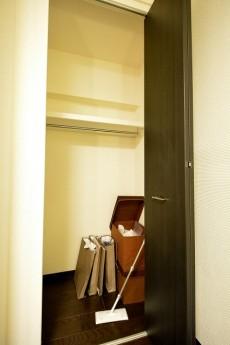 コーヅ白金台 5.0帖洋室クローゼット