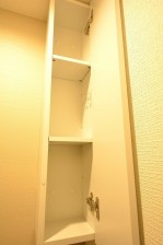 朝日目白台マンション トイレ吊戸棚