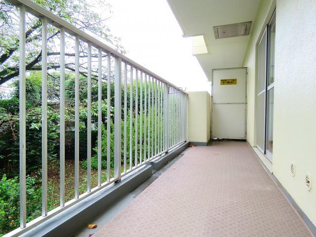 日商岩井大岡山第2マンション 南側バルコニー