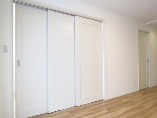 マコトパレス 洋室扉