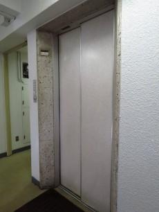 シャトー赤坂 エレベーター