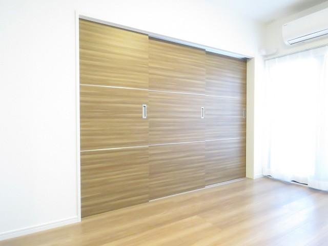 シャトレー代々木 洋室扉