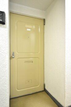 シャトー赤坂 玄関