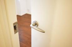 代官山エーデルハイム 4.6帖様洋室ドア