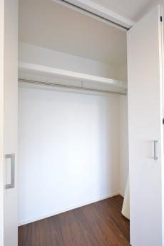 代官山エーデルハイム 4.6帖様洋室のクローゼット