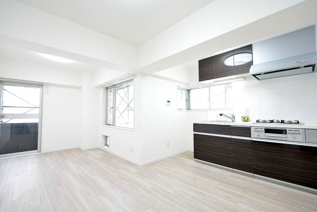 ライオンズマンション三軒茶屋 9.0帖ダイニングキッチン