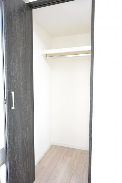 ライオンズマンション三軒茶屋 洋室①クローゼット