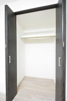 ライオンズマンション三軒茶屋 洋室②クローゼット