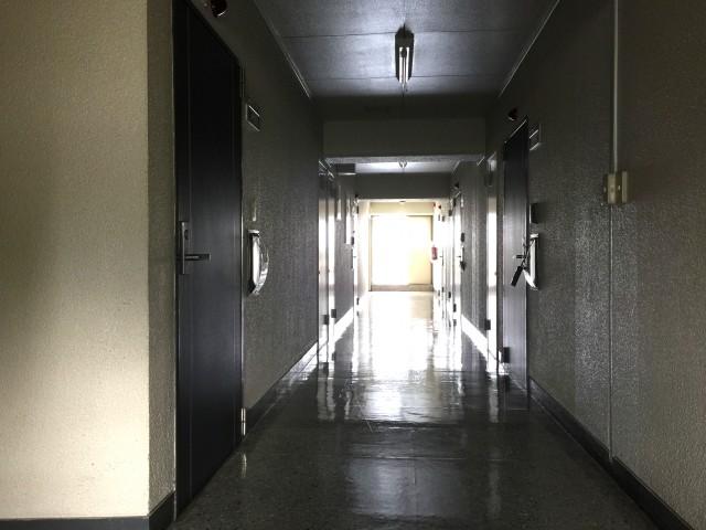 ライオンズマンション桜上水 内廊下