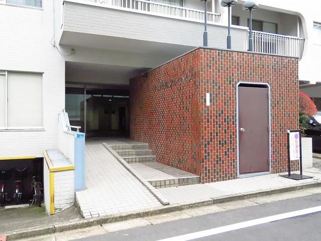 千駄ヶ谷第一スカイハイツ エントランス