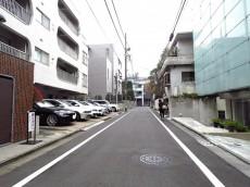 千駄ヶ谷第一スカイハイツ 前面道路