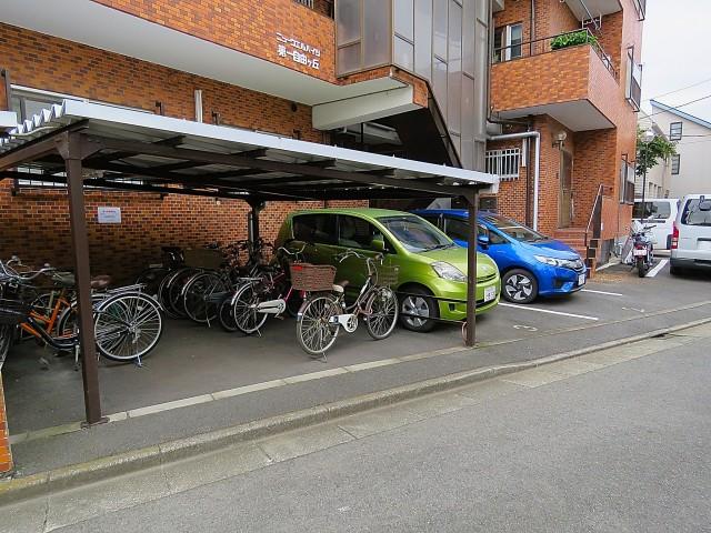 ニューウェルハイツ第1自由ヶ丘 駐車・駐輪場