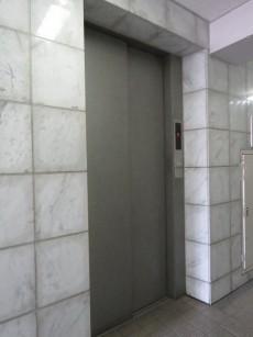 宏和マンション池袋 エレベーター