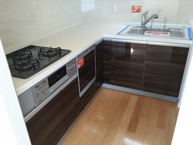 秀和新川レジデンス キッチン