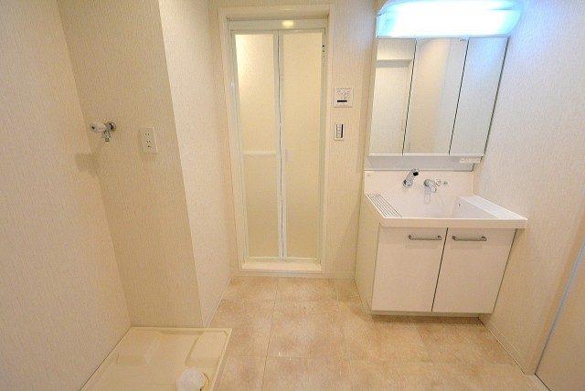 西麻布ハイツ701号室 洗面