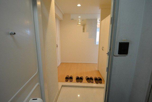 西麻布ハイツ701号室 玄関