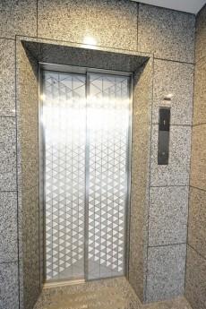 レジェンド南青山ガーデン エレベーター