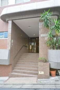 シャトー赤坂台 エントランス階段