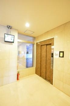 シャトー赤坂台 エレベーターホール