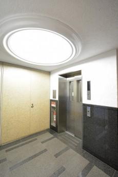 ヴィラージュ南青山 エレベーターホール