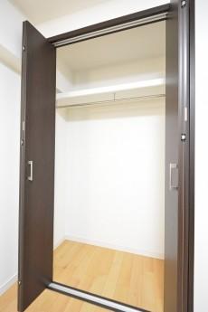 シャトー赤坂台 4.0帖サービスルームのクローゼット