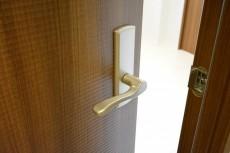 ヴィラージュ南青山 5.0帖洋室ドア