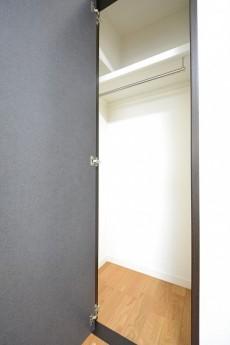 シャトー赤坂台 5.2帖サービスルームのクローゼット