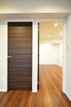 マグノリア 洋室ドア