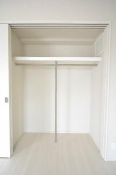 オープンレジデンシア南青山 6.7帖洋室クローゼット