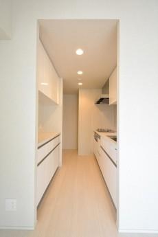 オープンレジデンシア南青山 3.6帖独立キッチン