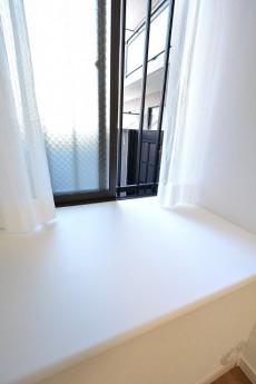 クレッセント目黒Ⅱ 5.0帖洋室出窓