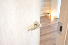 フォルスコート目黒大橋 6.5帖洋室ドア