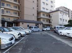 日商岩井第1玉川台マンション 駐車場