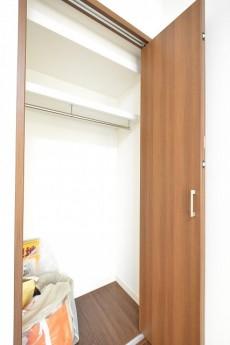 秀和六本木レジデンス 5.7帖洋室クローゼット