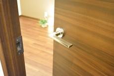 リシェ広尾 5.3帖サービスルームドア