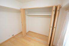 藤和用賀コープ 北側洋室約6帖収納