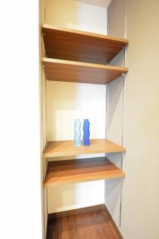 リシェ広尾 4.5帖洋室の可動棚