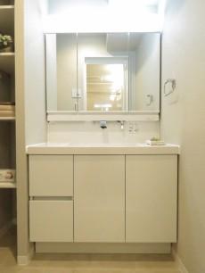 ウエスト経堂マンション 洗面化粧台